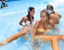 chicas-parque-acuatico