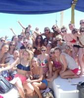 chicas-fiesta-catamaran-lloret